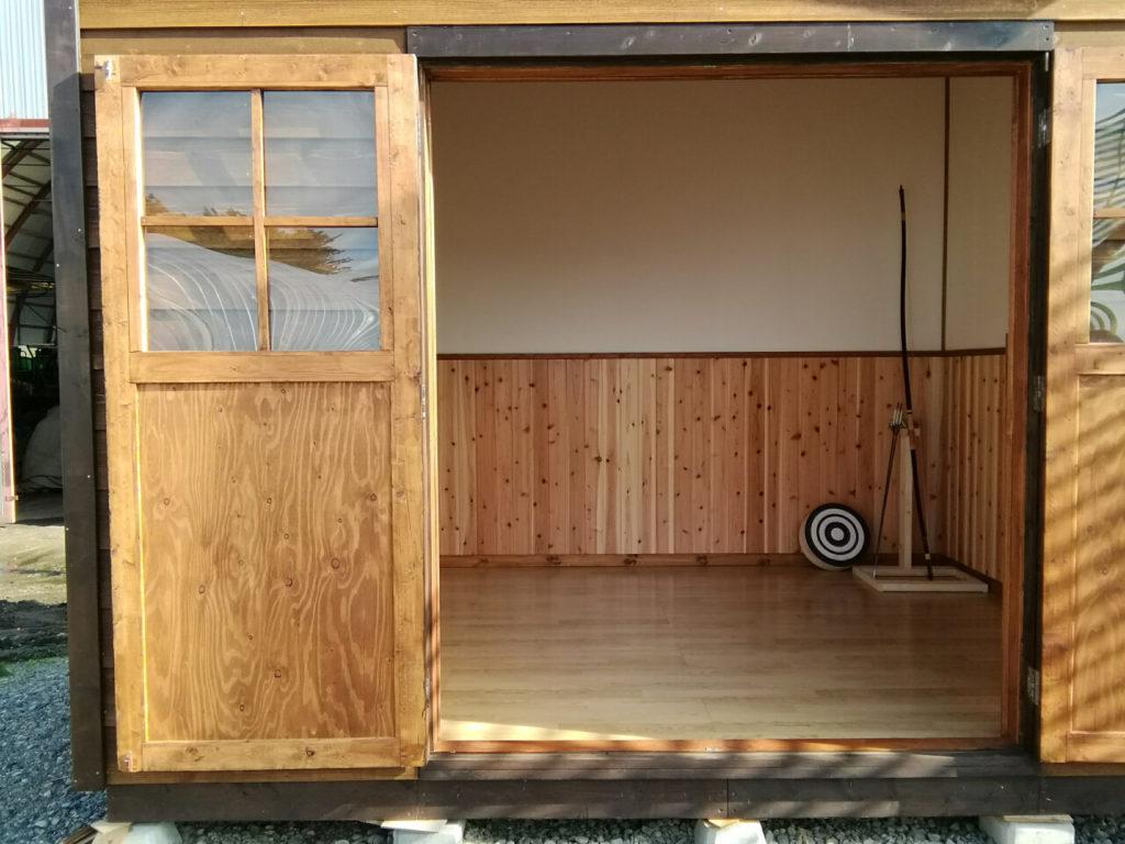 弓道の練習のために小屋を建てた方もいます。