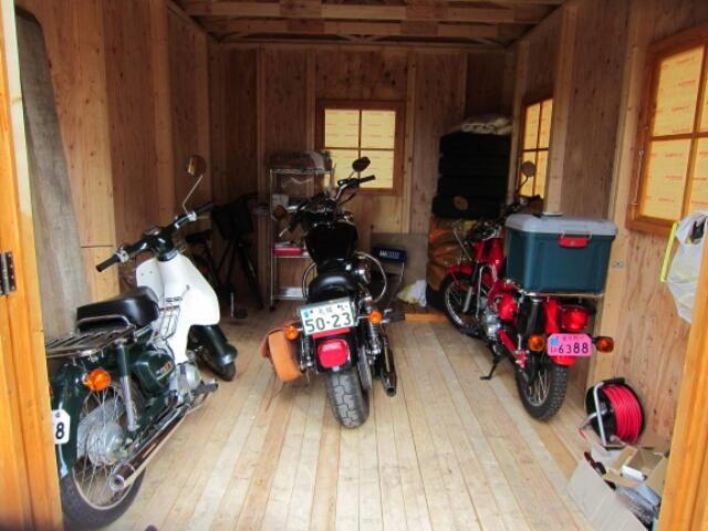 バイクガレージはキットハウスでとても多い需要の一つです。