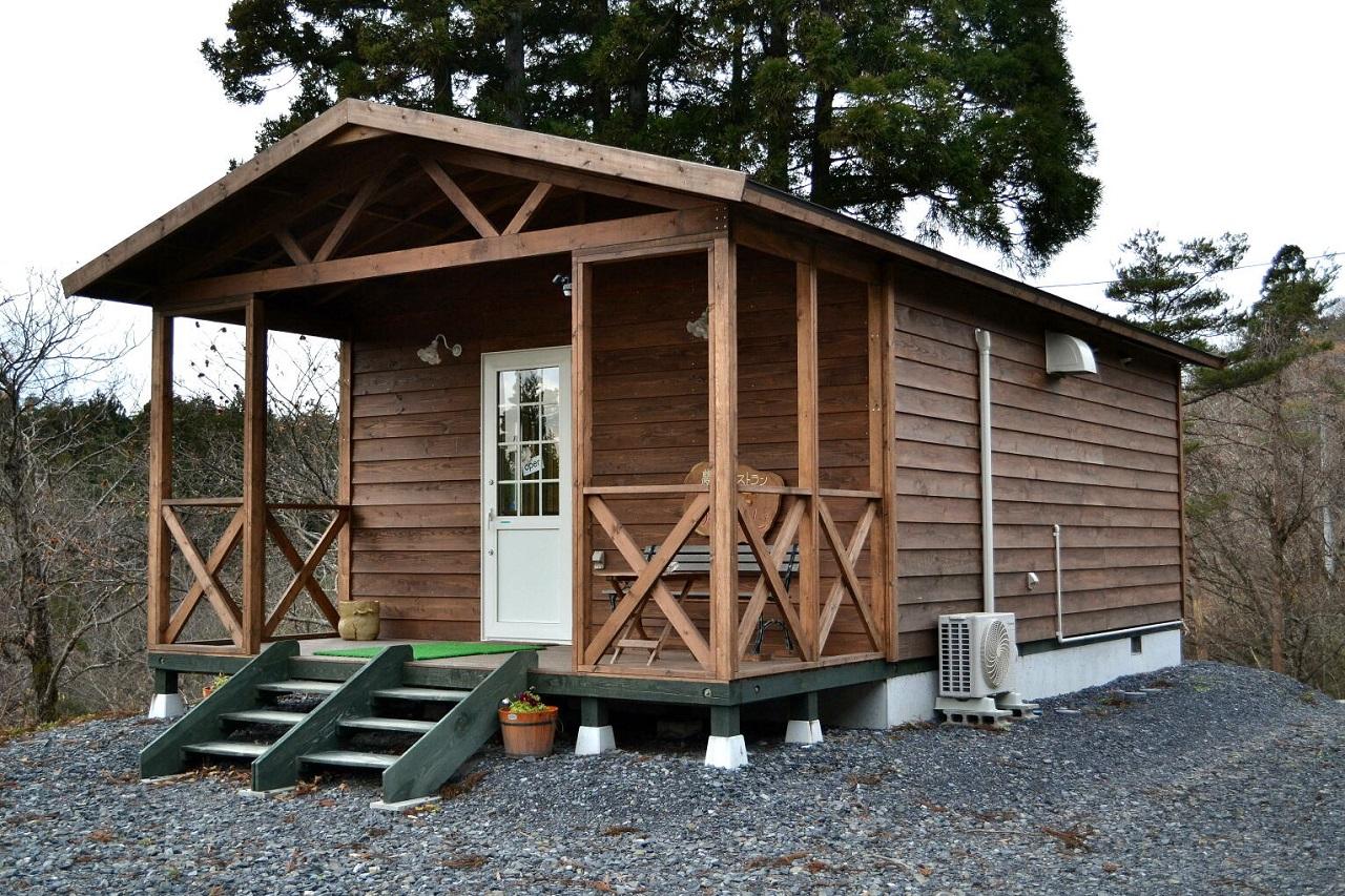 屋根が付いたウッドデッキ付きは人気で、大きさにかかわらずご注文いただきました。