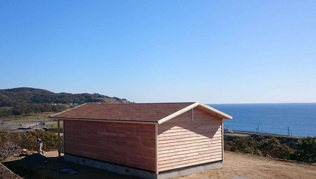 小屋を建てる前に日差しがある方位方角を意識する必要があります。
