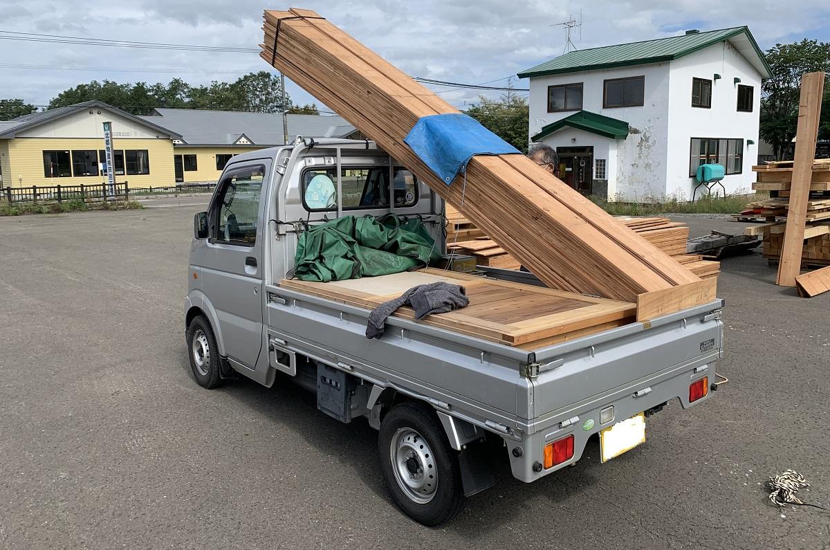 3坪ハウスは軽トラック2台分の荷物量とお考え下さい。