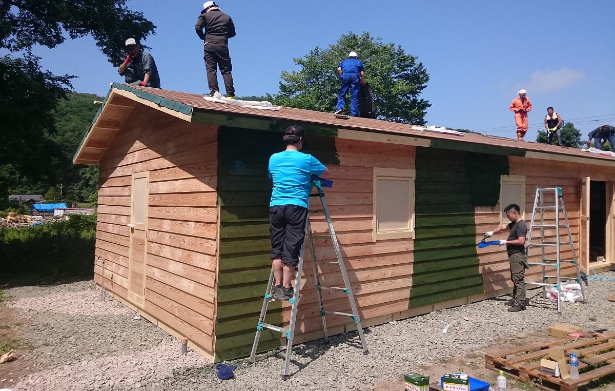小屋を作る作業には、一段落つく小完成のポイントがあります。