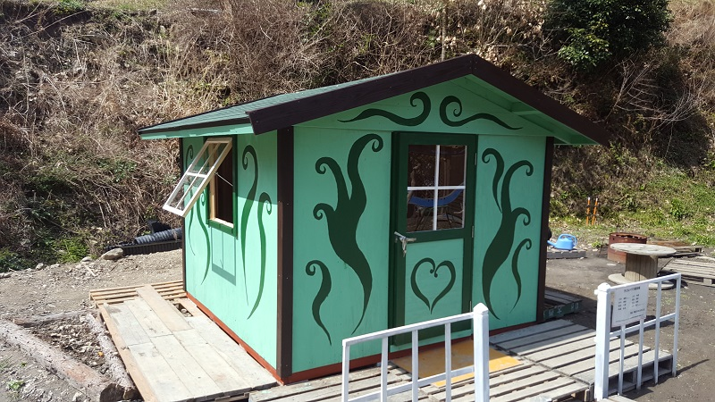 ペンキ系は塗り直しができるので、遊び心があってオンリーワンな外壁になります。