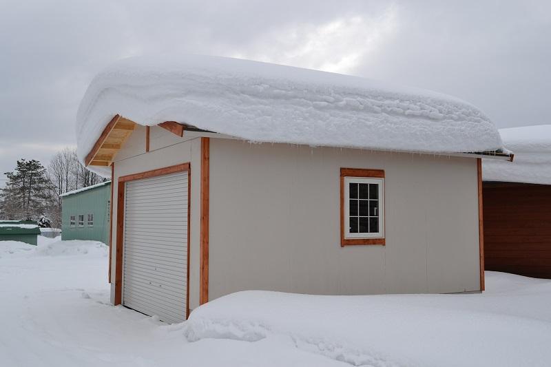 垂直積雪量が1m未満か超えるかで、一般か多雪地域を区分してます。