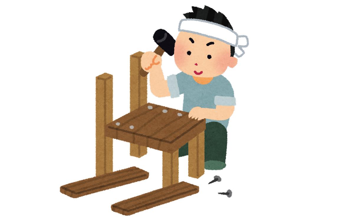 アイデアで棚を設置したり、壁掛け金具を取付られるのは木製物置の利点で、収納物が変わってもDIYでカスタマイズしやすいです。