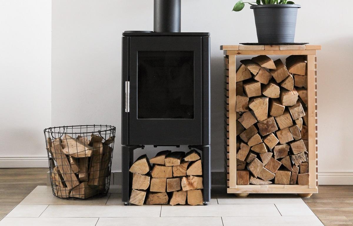 薪ストーブや暖炉がある家では、平屋建てだと煙突掃除が安全にできて楽です。